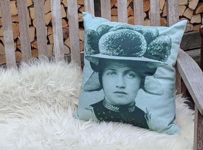 Kissen Motiv Bollenhut Grün - Kollektion Tradition