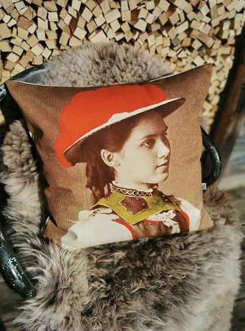 Kissen Motiv Gertrud - Kollektion Tradition