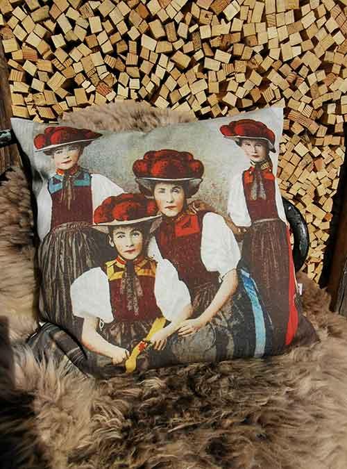 Kissen Motiv Schwarzwaldmaedels - Kollektion Tradition